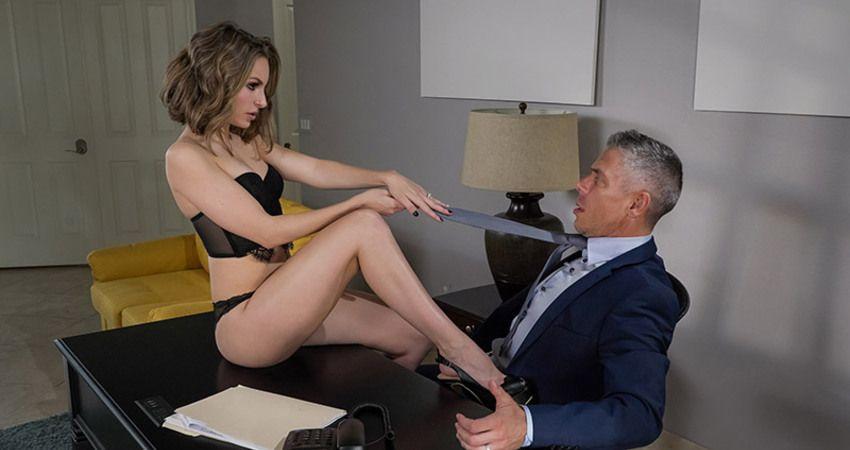 этих секретарша соблазнила директора фотография именно этот момент